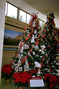 Holiday celebration ideas Christmas tree.